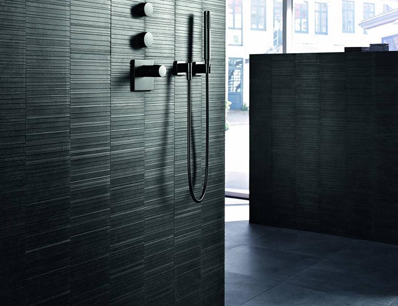 Wonderbaar Zwarte badkamers: chique en stijlvol - Inspiratie - Saniweb.nl KQ-78